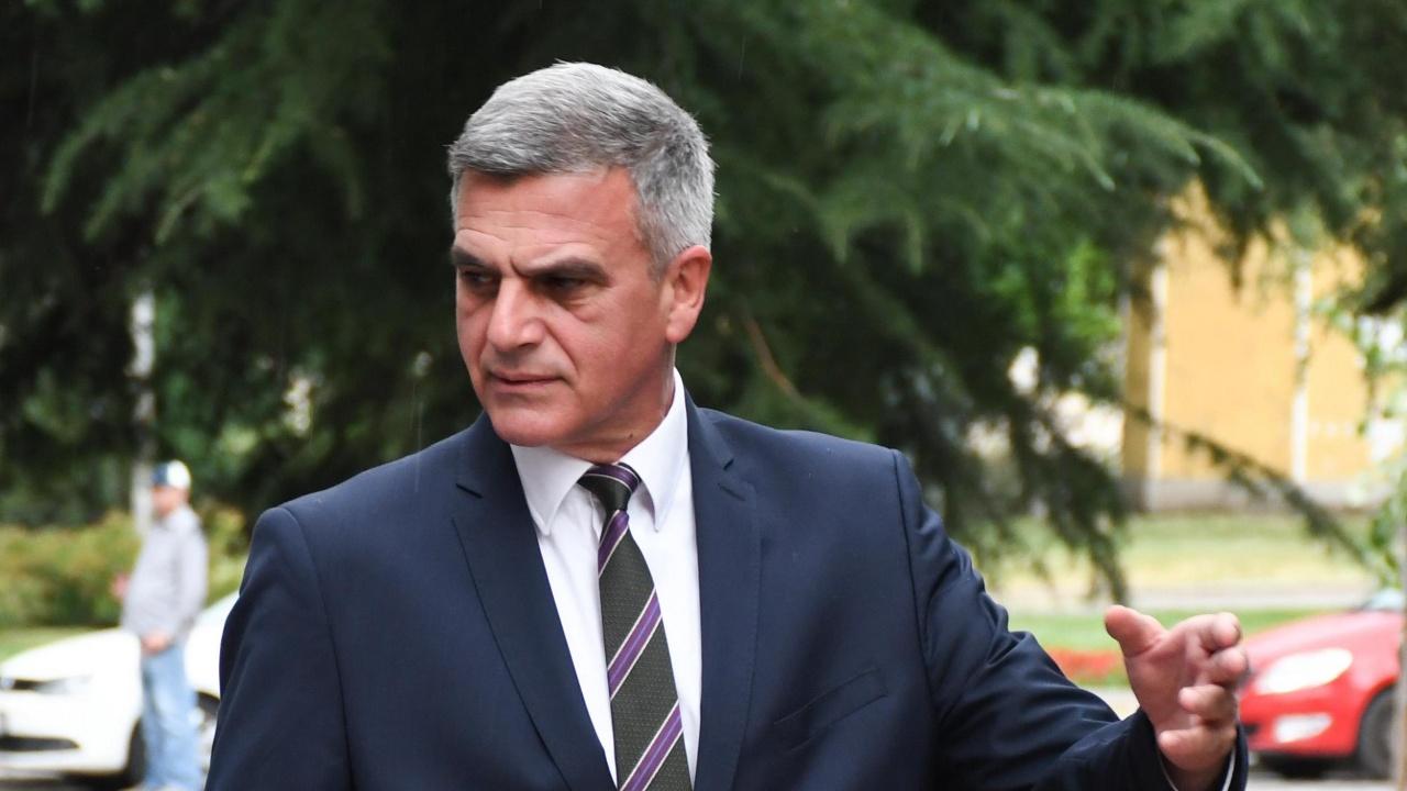 Проучване: Почти 60% от българите одобряват служебния кабинет