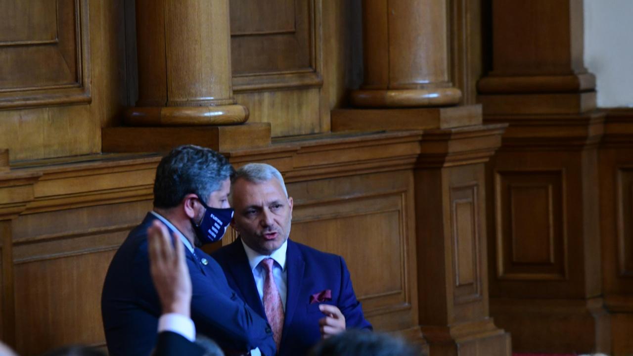 """Първо заседание на комисията """"Росенец"""": Какво ще проверяват депутатите?"""