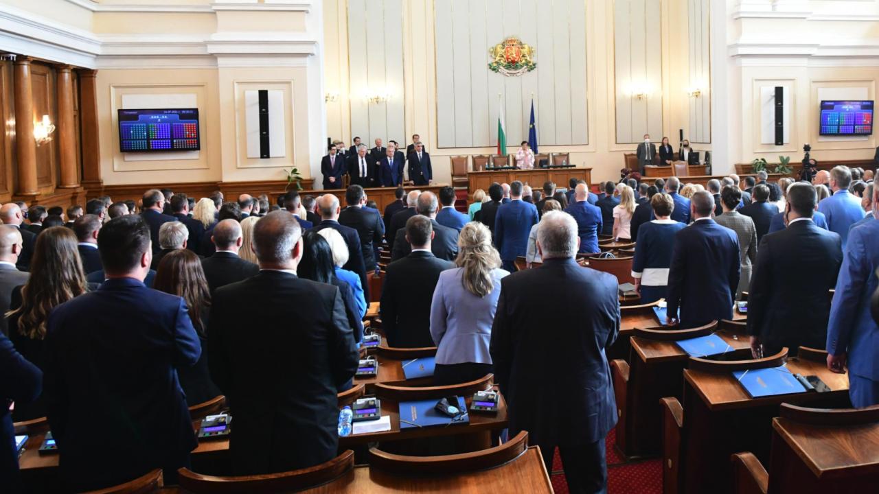 Депутатите няма да почиват това лято