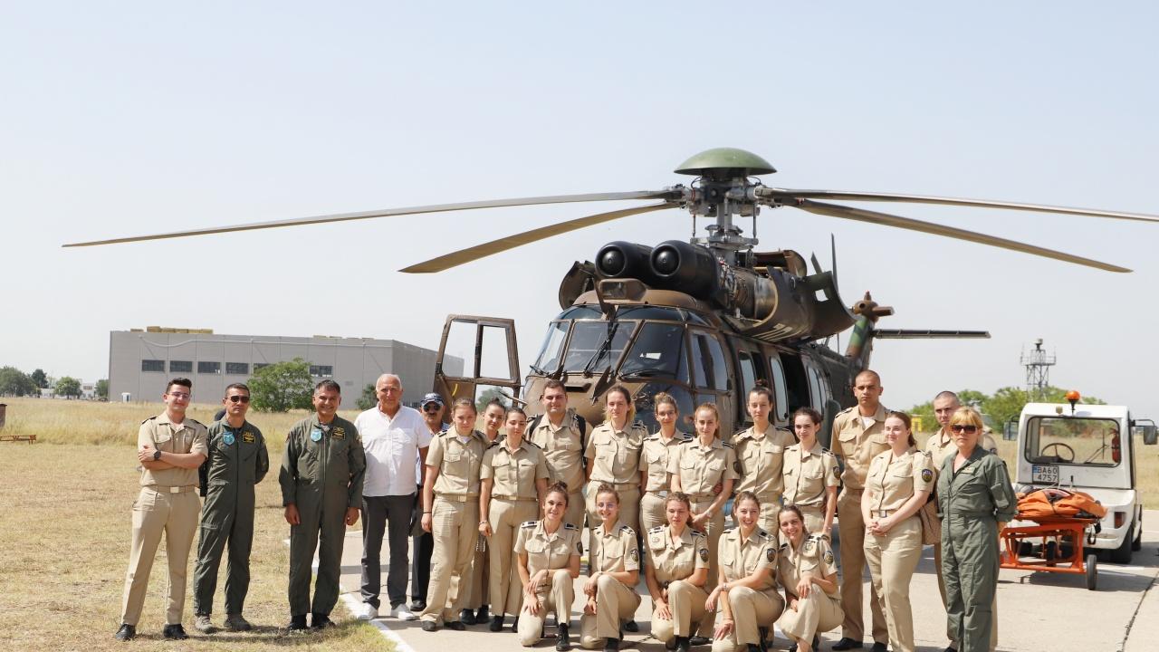 Курсанти – военни лекари с първи стъпки в авиомедицинската евакуация