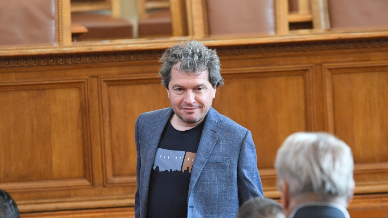 Тошко Йорданов нападна жестоко Манолова и Христо Иванов. Какви игрички се играят?