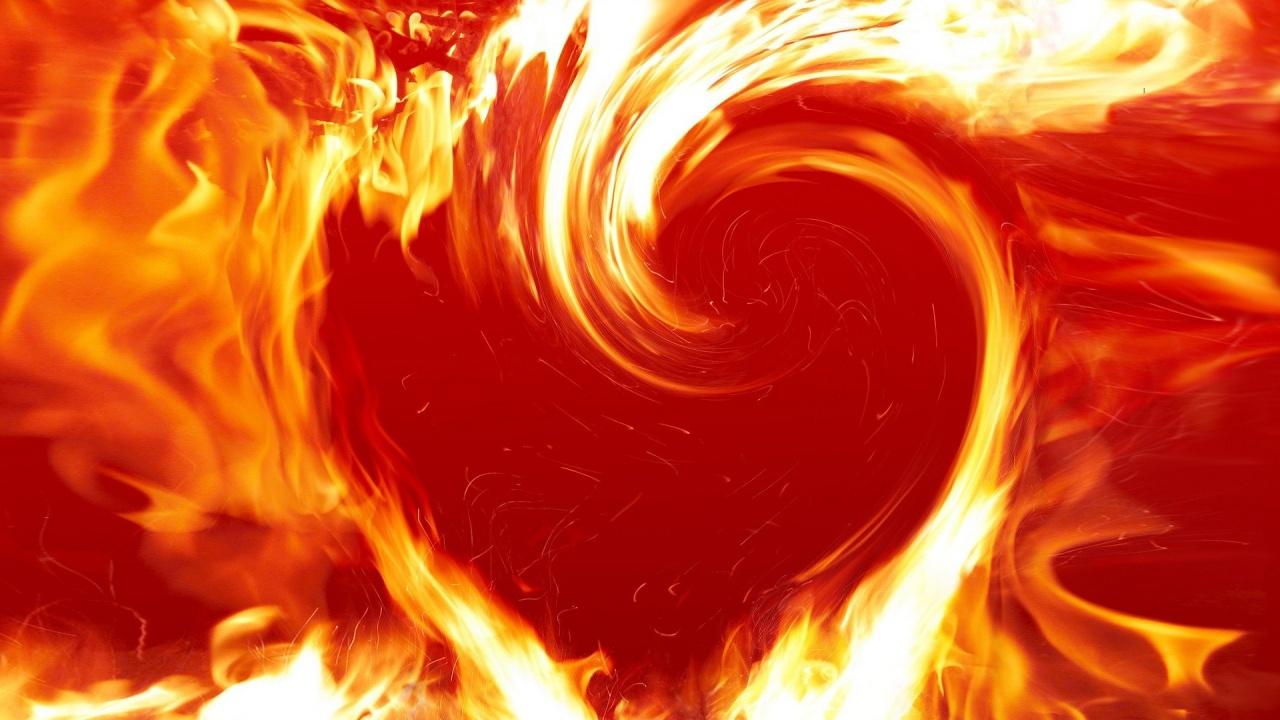 Кардиолог съветва: Охладете сексуалните страсти по време на жегите