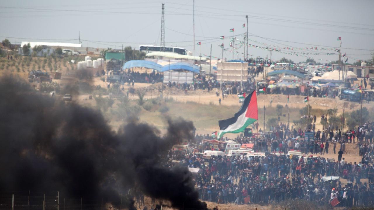 Близо 300 палестинци бяха ранени при сблъсъци с израелски войници на Западния бряг