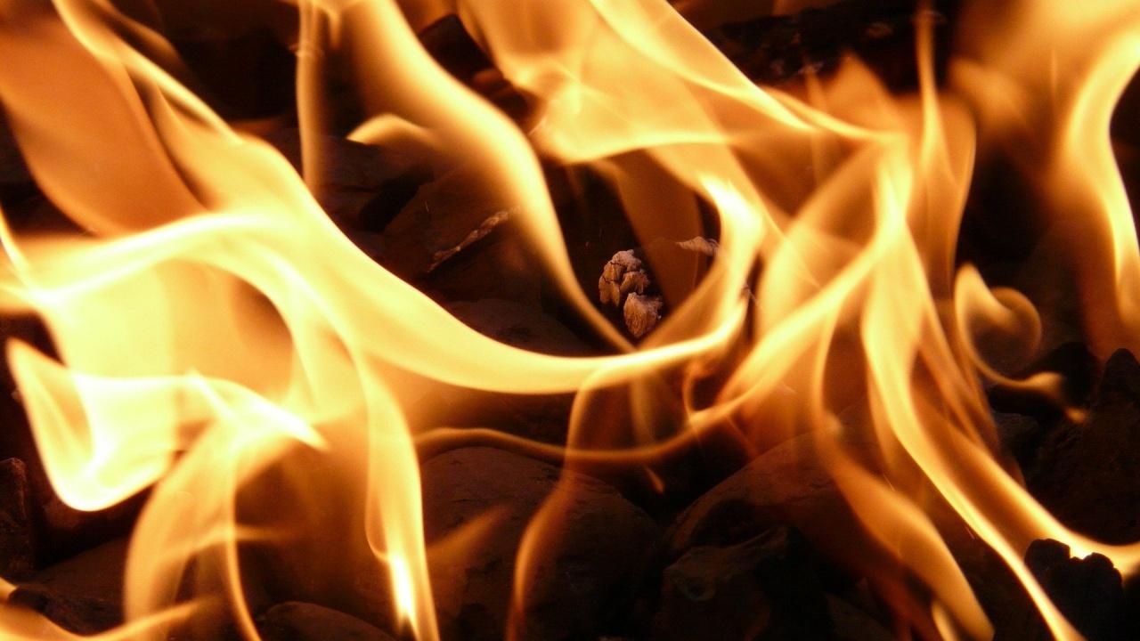 Огромен пожар бушува на  Родос