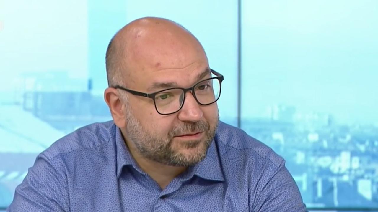 Политолог за Слави Трифонов: Опитът да се говори на зрителя по телевизора е откровена рецепта за провал