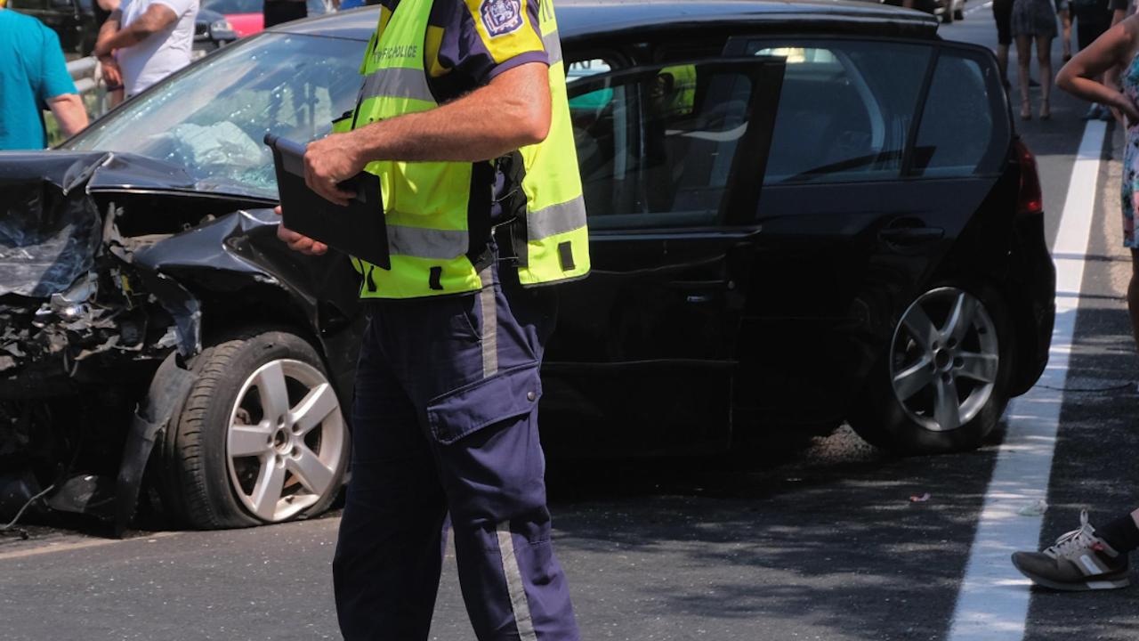 Двама загинаха в тежка катастрофа на пътя Разград - Русе