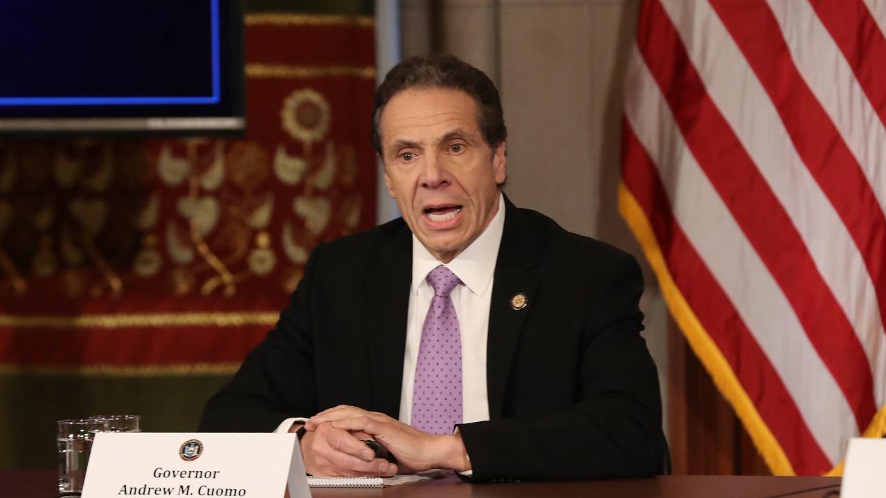 Губернаторът на Ню Йорк Куомо е упражнявал сексуален тормоз над множество жени