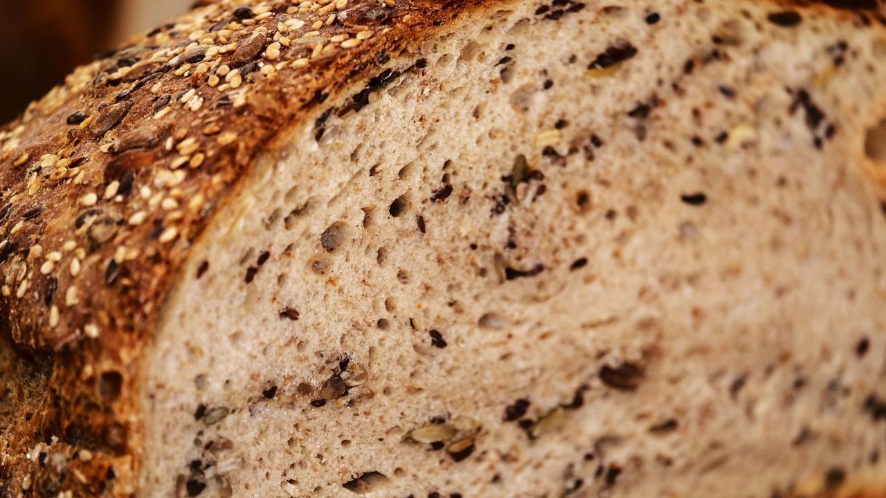 Цената на хляба скача, въпреки че няма промяна в стойността на пшеницата