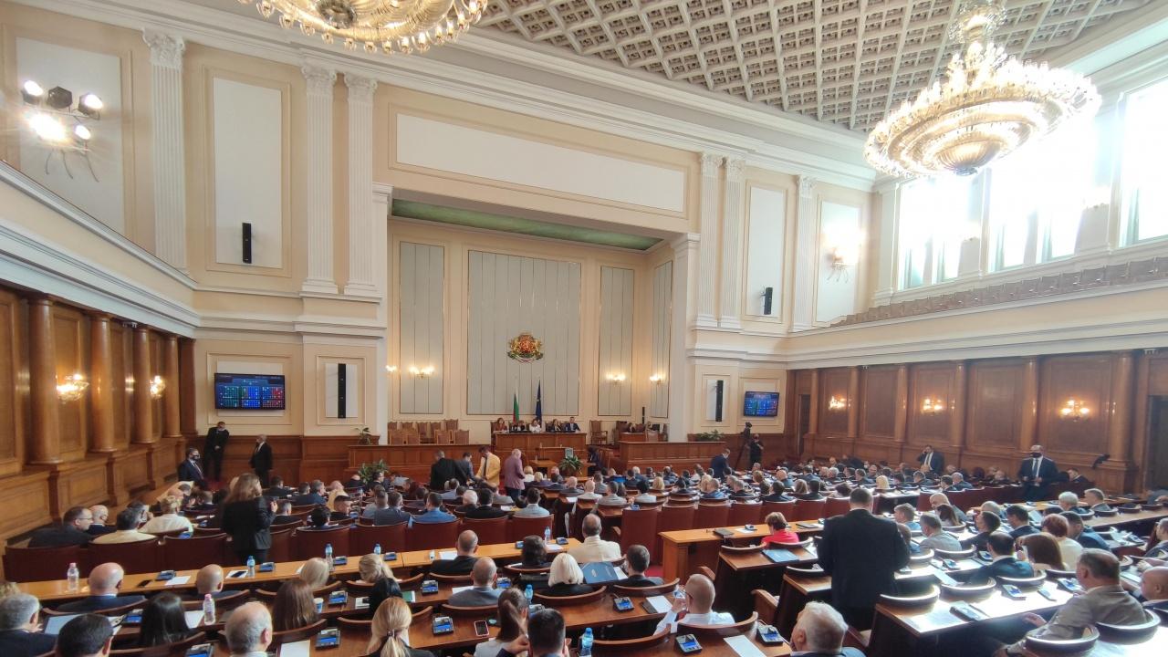 НС задължи главния прокурор до 14 дни да внесе доклада си за защитените лица