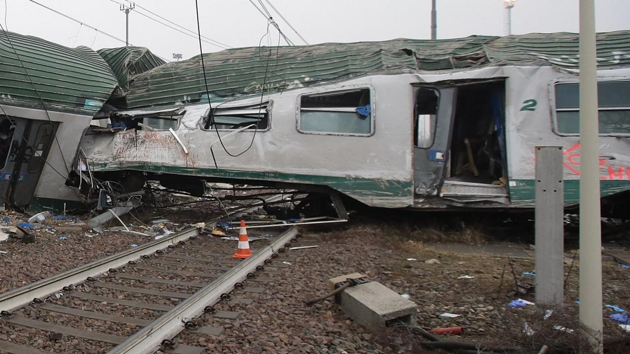 Три жертви и десетки ранени след ЖП катастрофа в Чехия