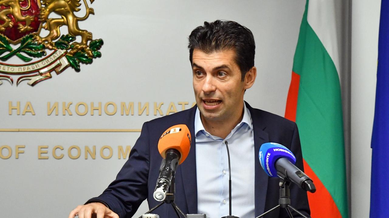 Кирил Петков: Не заплашваме работни места във ВМЗ