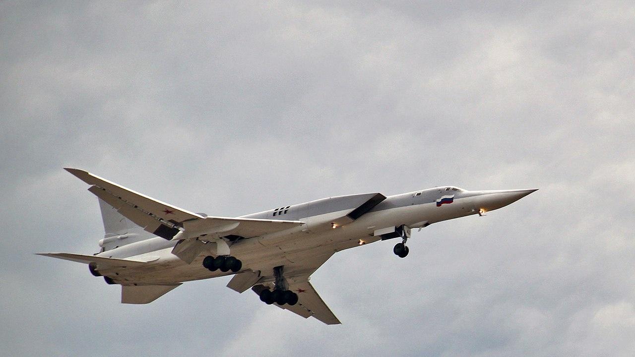 """Русия ще включи четири стратегически бомбардировача """"Ту-22М3"""" в ученията близо до границата на Афганистан"""