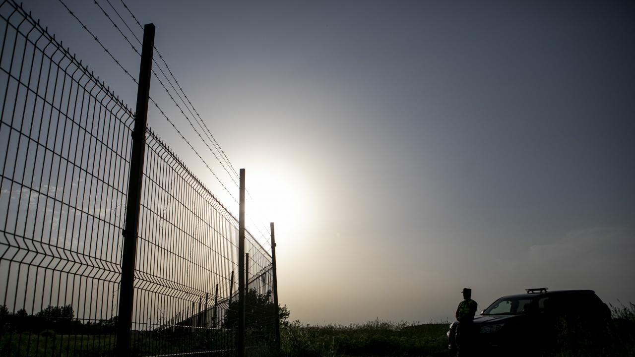 """Полша обвини Беларус, че пропускайки мигранти през границата, води """"хибридна война"""" срещу ЕС"""