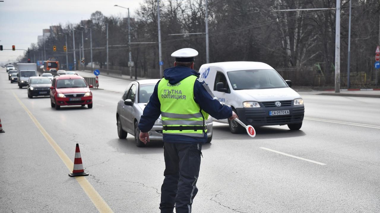 """Над 14 000 нарушения е засекла """"Пътна полиция"""" за седем дни"""