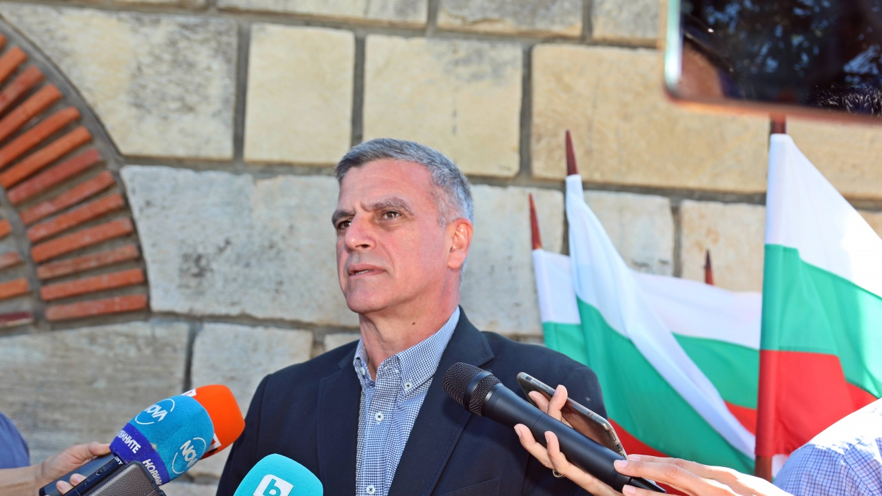 Стефан Янев с предупреждение към българите