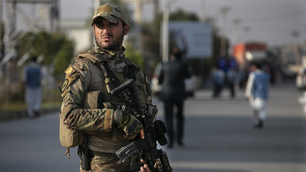 Ожесточени сблъсъци в центъра на афганистанския град Кундуз
