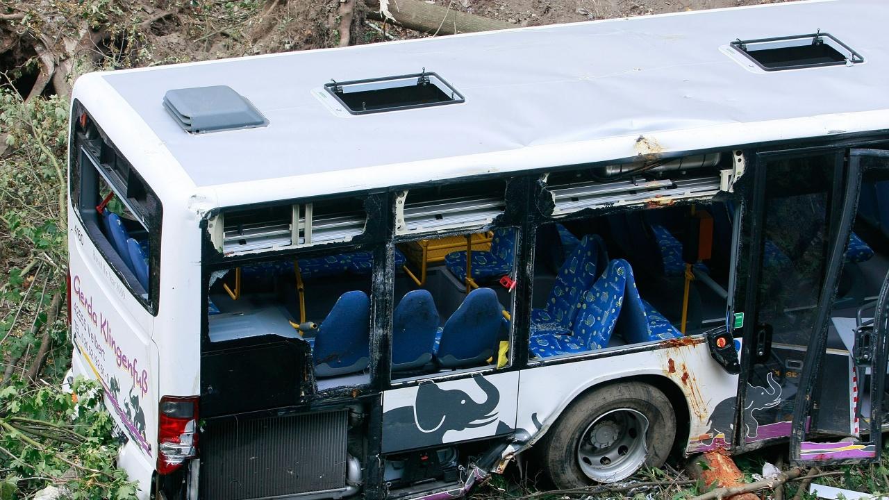 15 загинали и 17 ранени при катастрофа на автобус в Турция