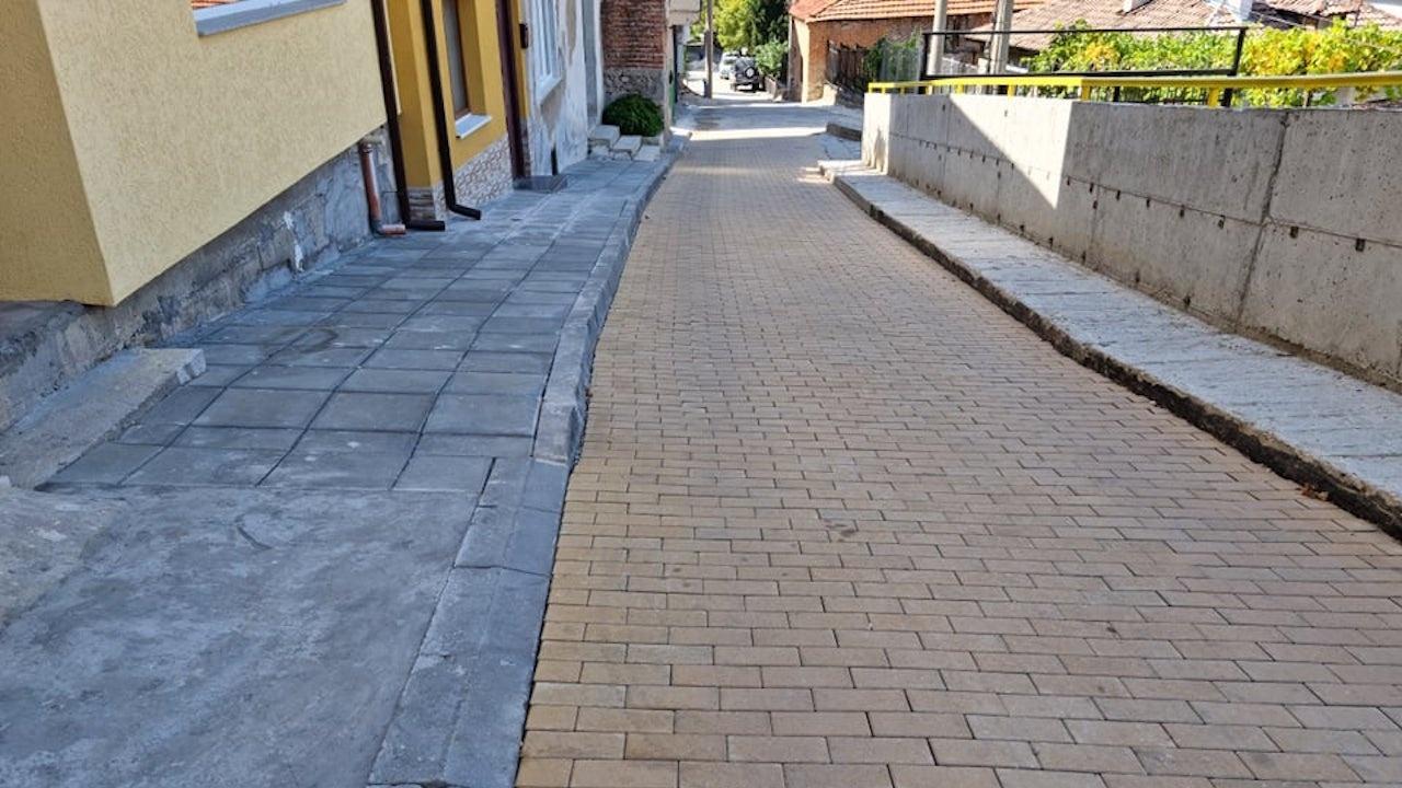 """Укрепването на свлачището и ремонтът на ул. """"Странджа"""" в Асеновград са напълно завършени"""