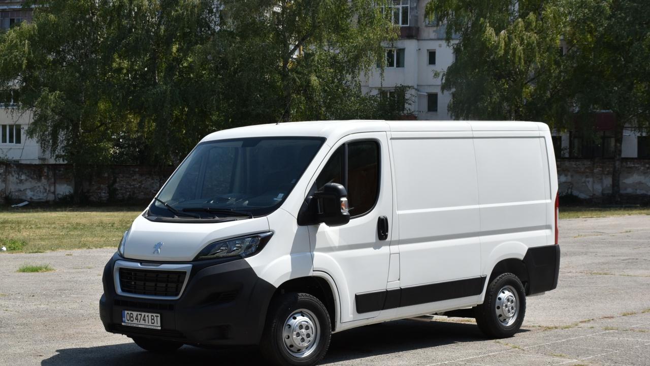 Нов автомобил ще превозва храната на детска кухня в Ловеч