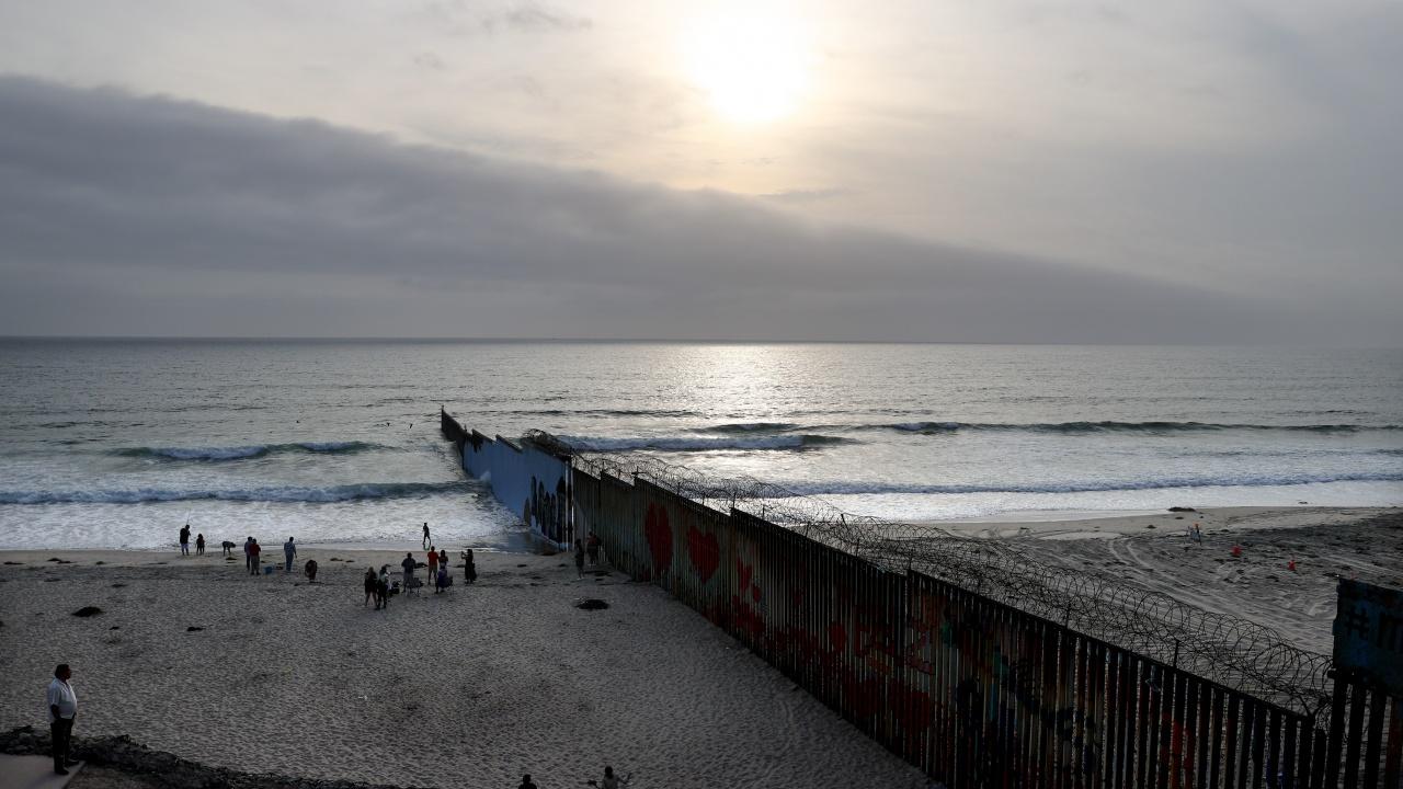 Мексико и САЩ се ангажираха да разширят сътрудничеството си за справяне с имиграцията