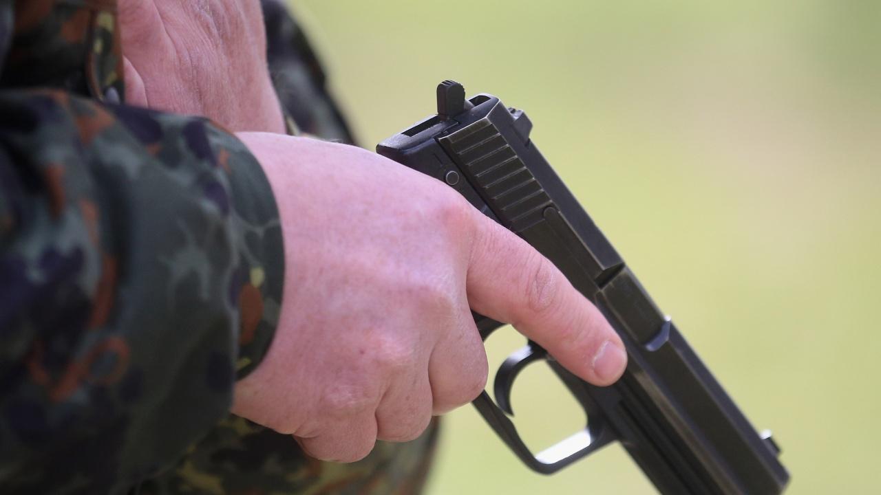 Депутат застреля мъж, объркал го с мечка