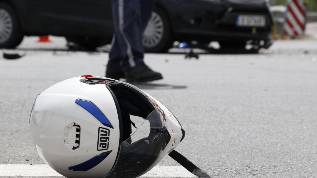 25-годишен моторист бе пометен от бус на куриерска фирма в Монтанско