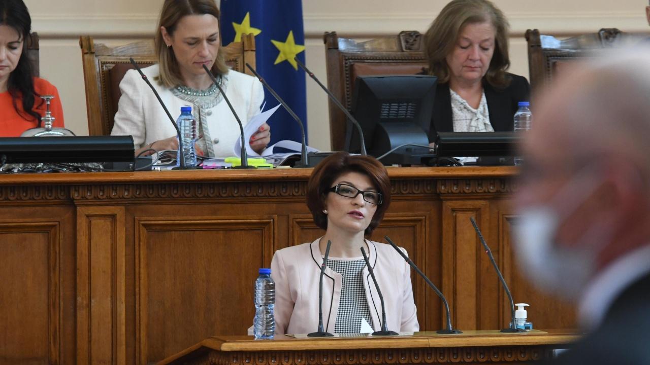 Атанасова: ГЕРБ ще участва в дебата за оттеглянето на кандидатурата на Николов за премиер