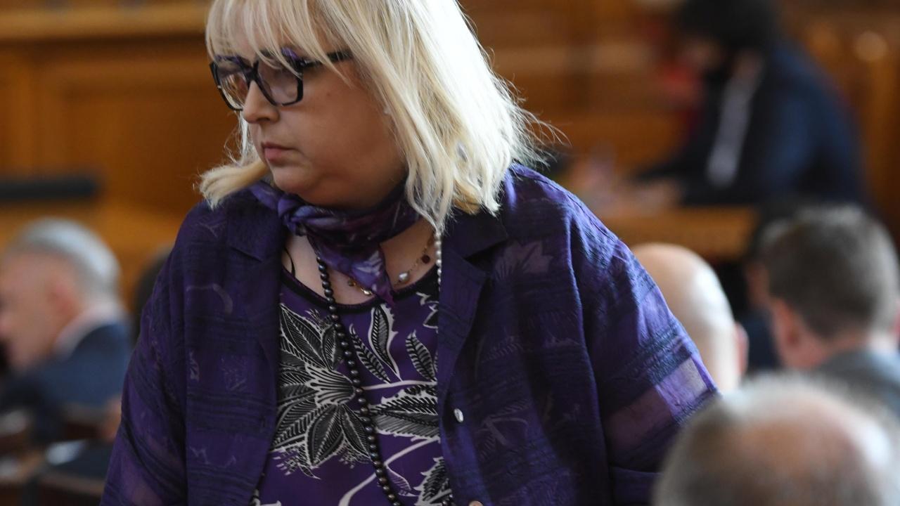 Мария Капон намекна за смяна на преговарящи за реализиране на правителство