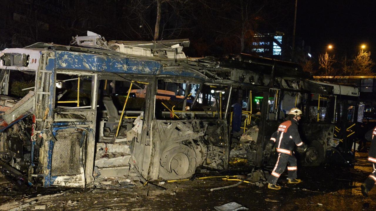 Най-малко 1 загинал и 15 ранени след експлозия в автобус в Русия