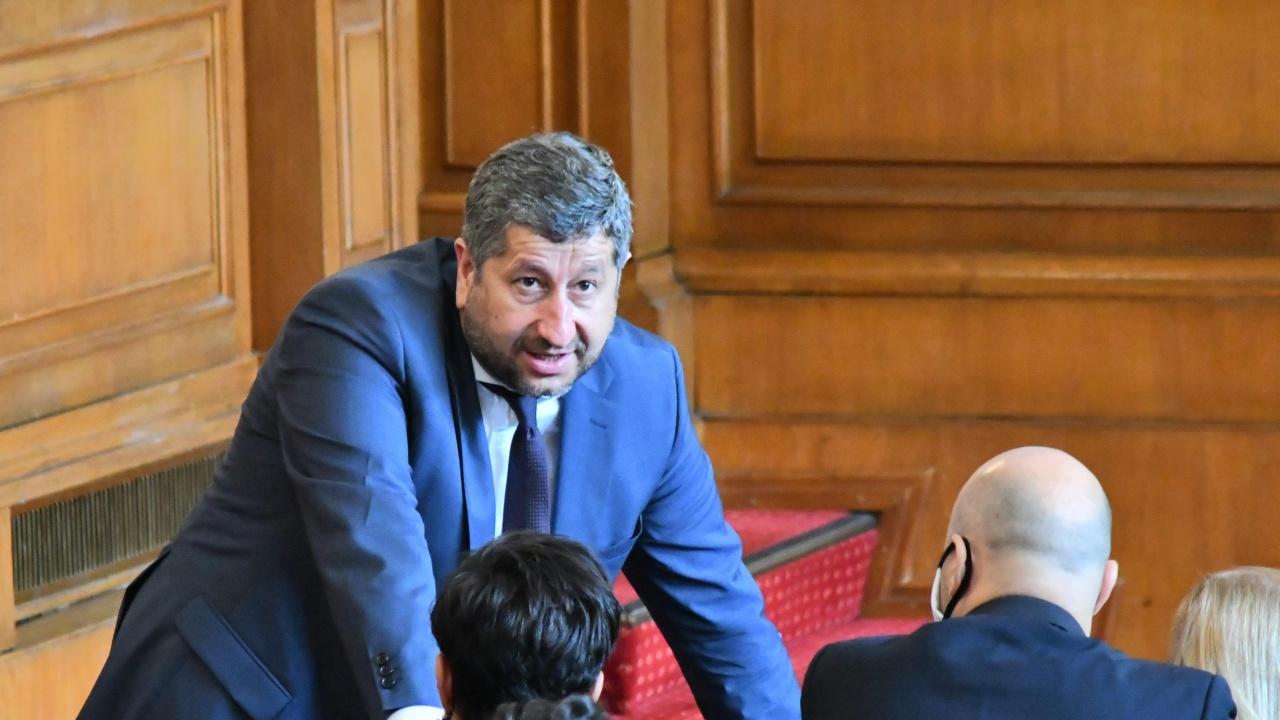 Христо Иванов иска Гешев и Борисов да понесат отговорност за насилието над протестиращи