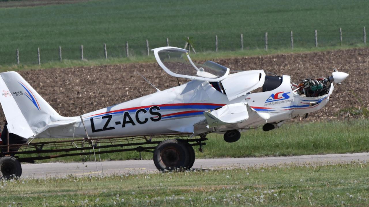 Двама пострадали след катастрофа с малък самолет край село Мирково