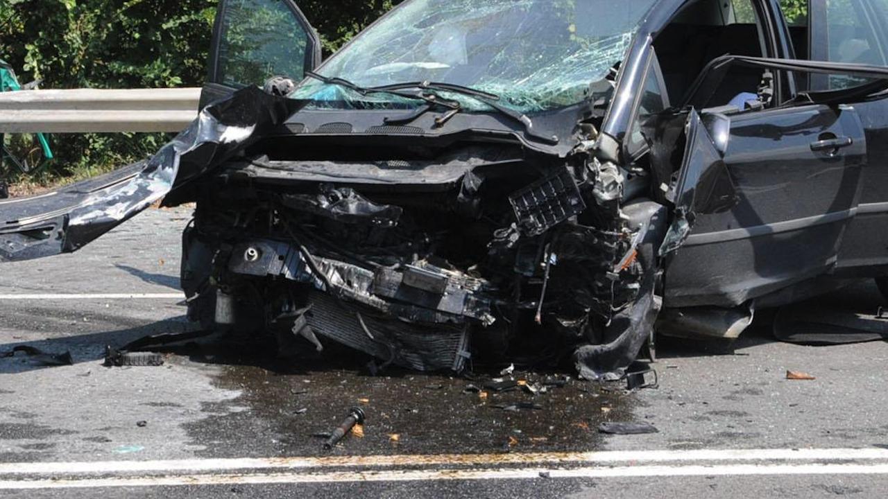 Заради пиян шофьор: Две жени и дете са ранени при меле в Пловдив