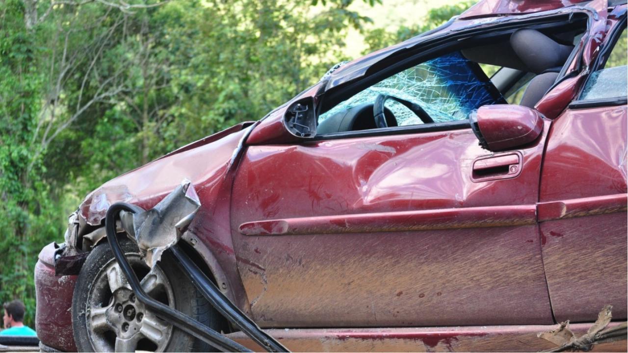Тежка катастрофа с двама ранени затапи движението по пътя София - Варна