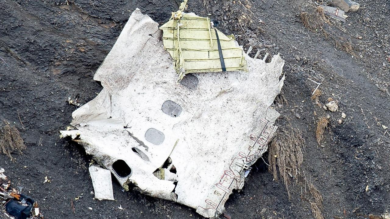 Прототип на най-нов модел руски военно-транспортен самолет се разби близо до Москва