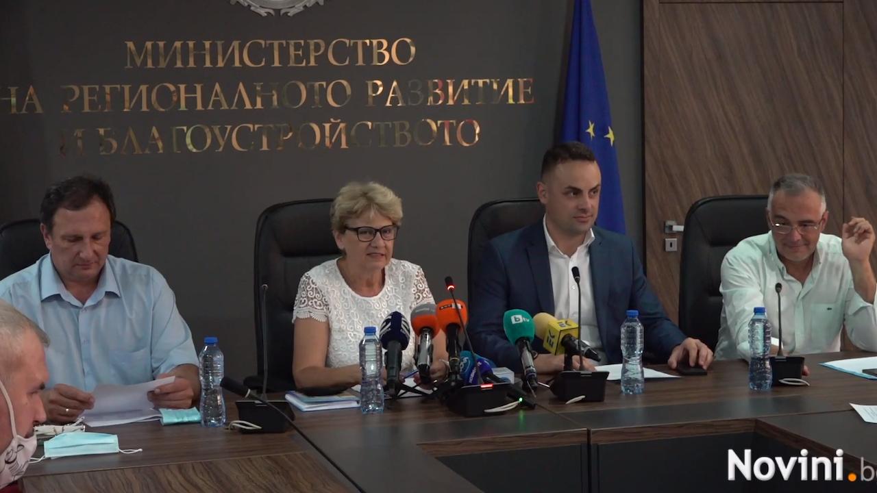 Министър Комитова: За АПИ са предвидени 382 млн. лева за пътни ремонти, но са възложени поръчки за 1,5 млрд. лева