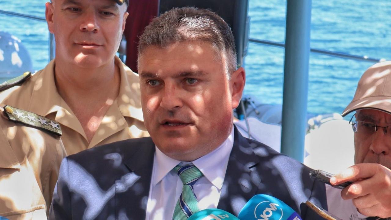 Панайотов е сигурен, че българите ще бъдат изтеглени от Афганистан и ще се върнат живи и здрави