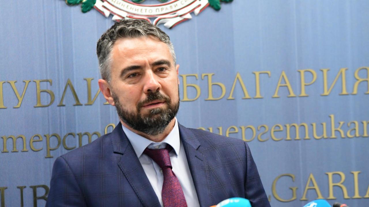 В парламента объркаха европейска директива, ДПС постави под въпрос опита на енергийния министър