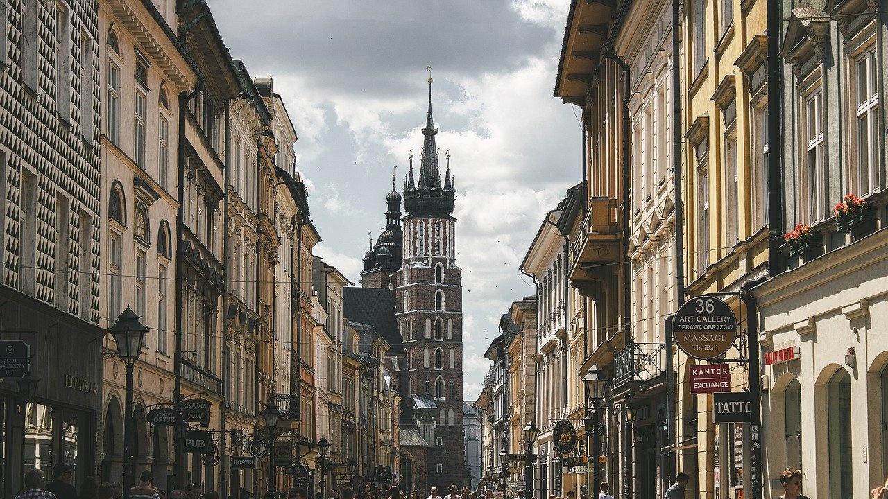 Полша ще създаде нови приемни центрове за мигранти заради притока от Беларус