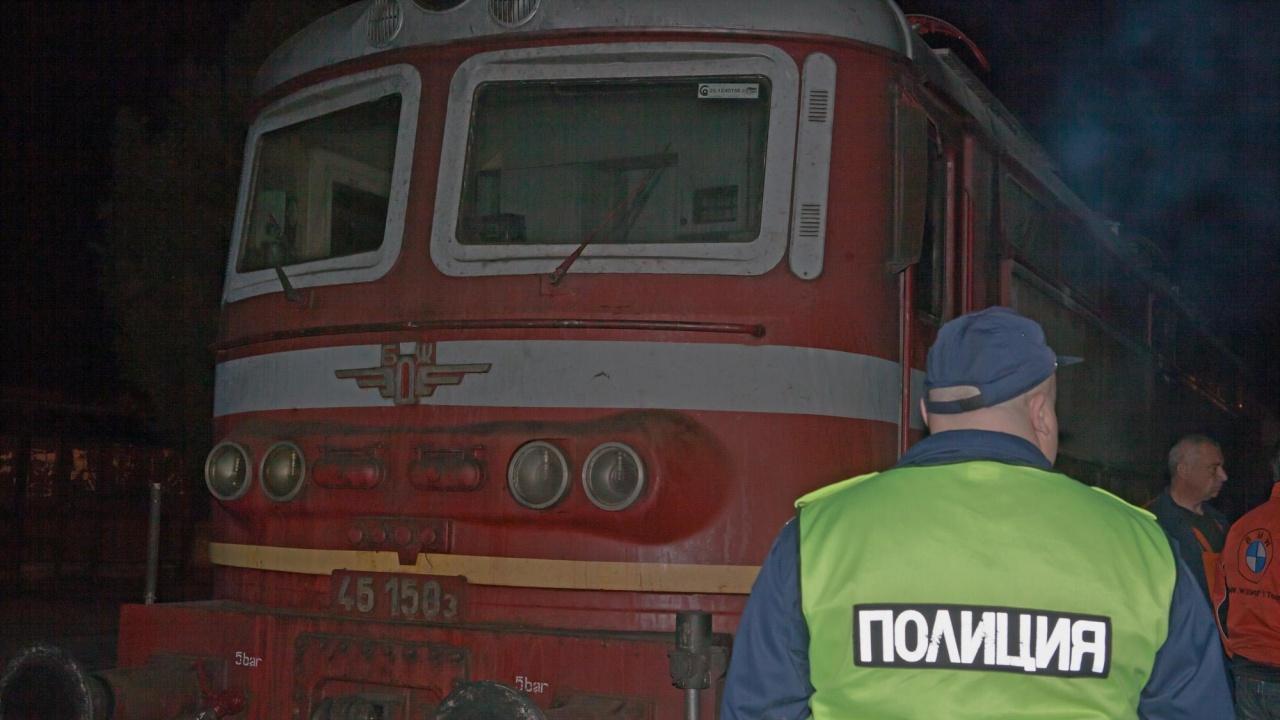 Локомотив горя на гарата в Зверино