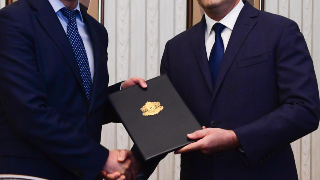 Президентът връчва третия мандат тази седмица