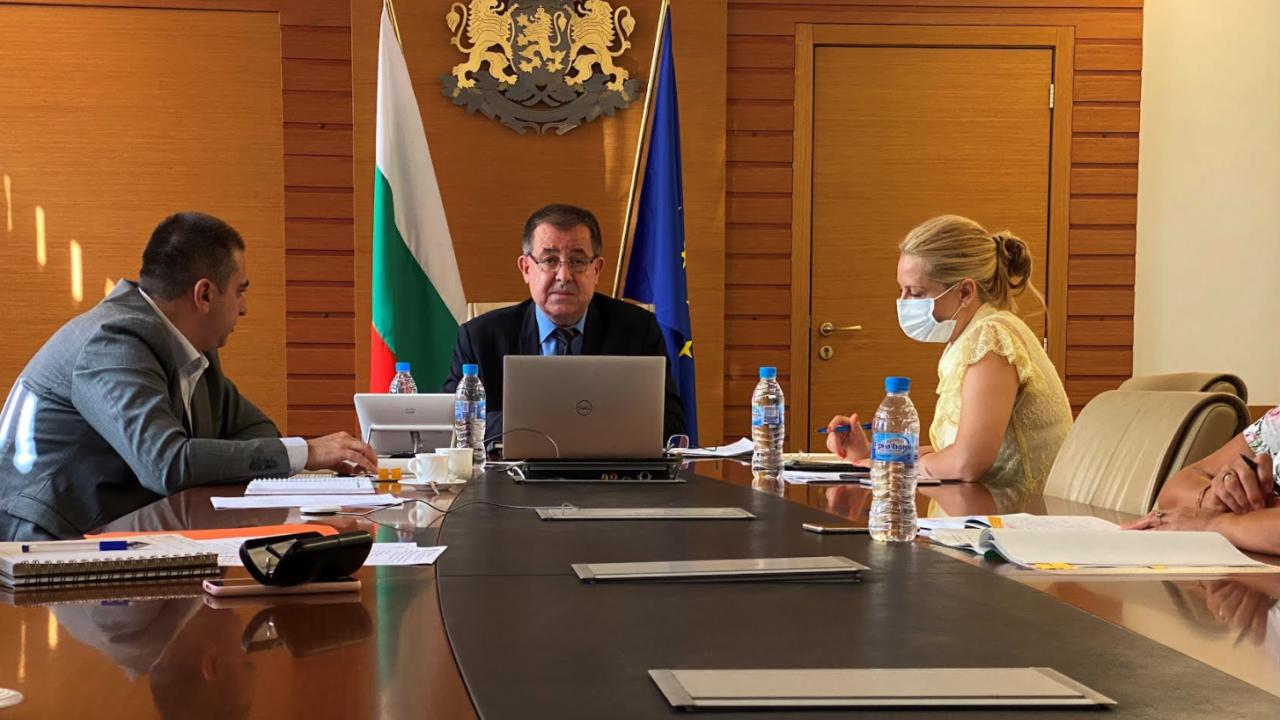 Министър Бозуков: Ще поискам да бъде отпуснато зърно от държавния резерв в помощ на животновъдите