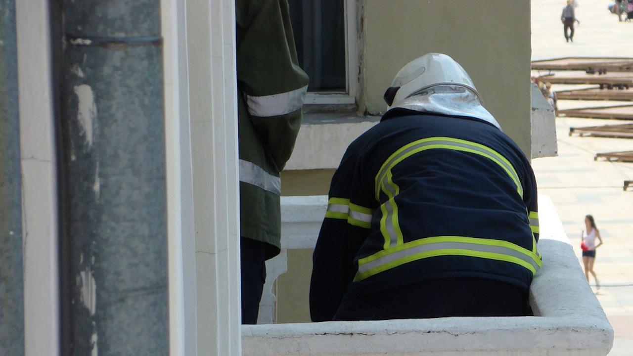 Мъж падна и загина при ремонт на тераса