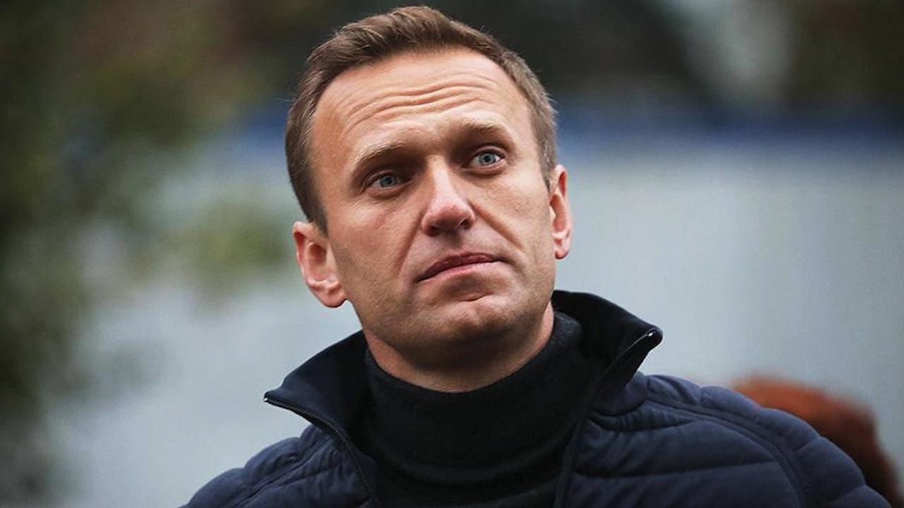 Навални: Принуждават ме да гледам държавната телевизия и пропагандни филми