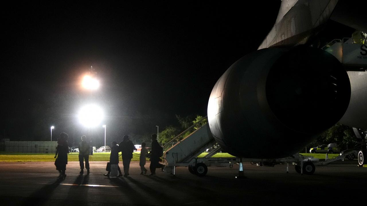 Нидерландия спира своите евакуационни полети от Кабул