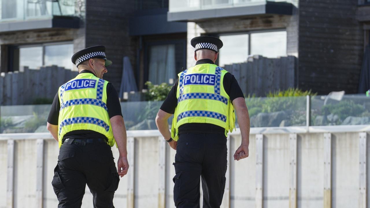 Арестуваха мъж, инжектирал неизвестно вещество в храни в лондонски супермаркети