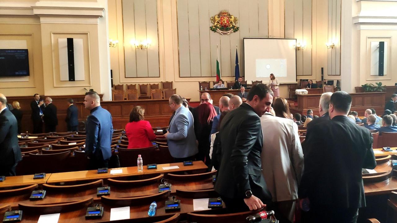 НС одобри на първо четене увеличение на пенсиите чрез актуализация на бюджета на ДОО