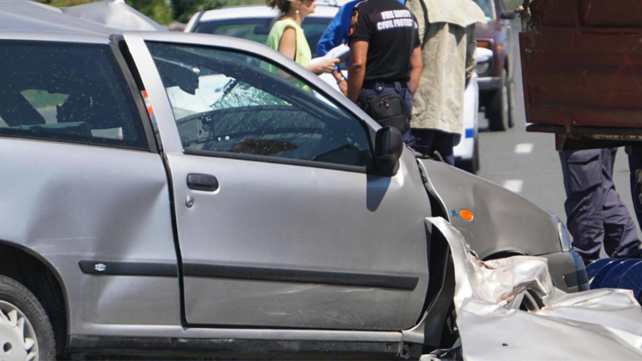 "Катастрофа блокира движението при 36 км в двете посоки на магистрала ""Хемус"""