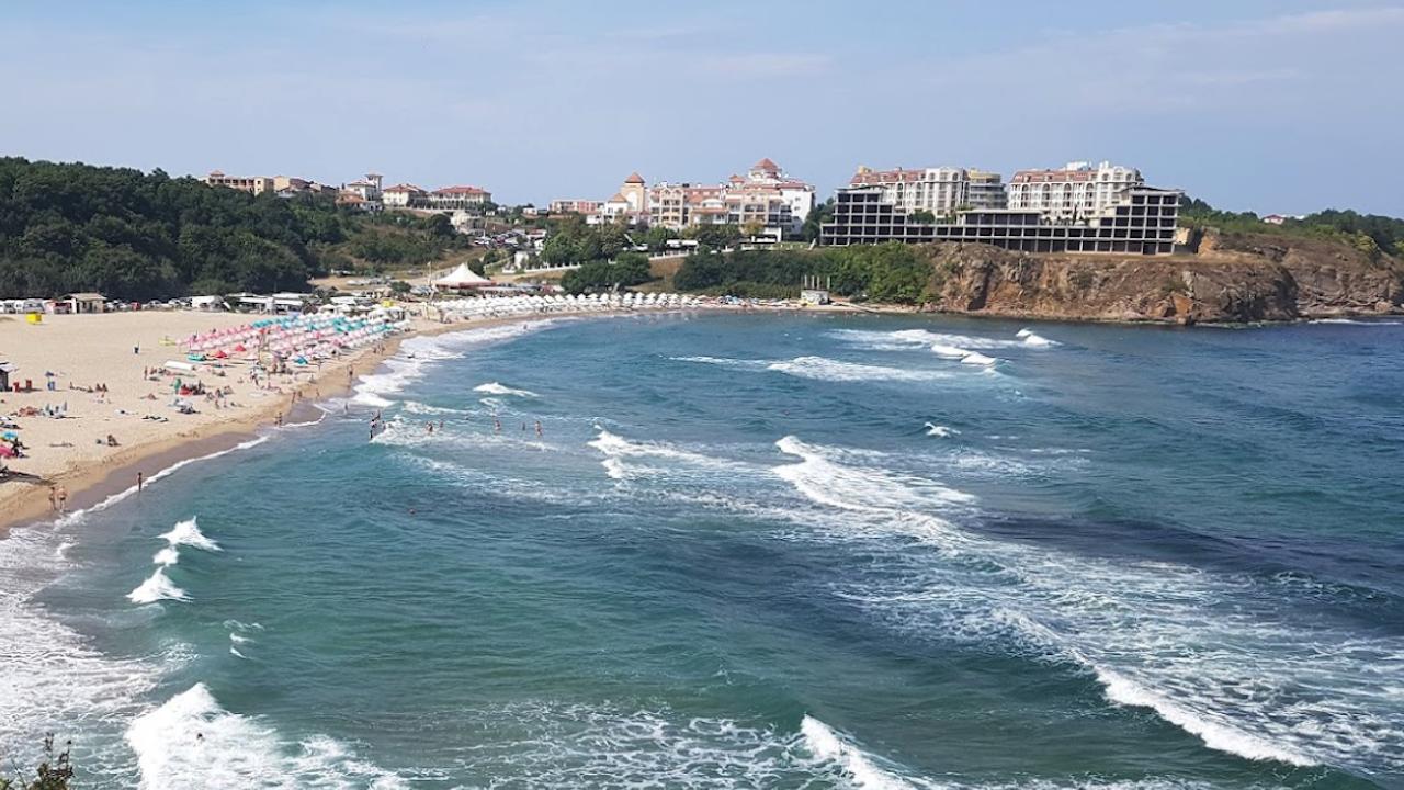 """Спират строежа на хотел на над плаж """"Бутамята"""""""