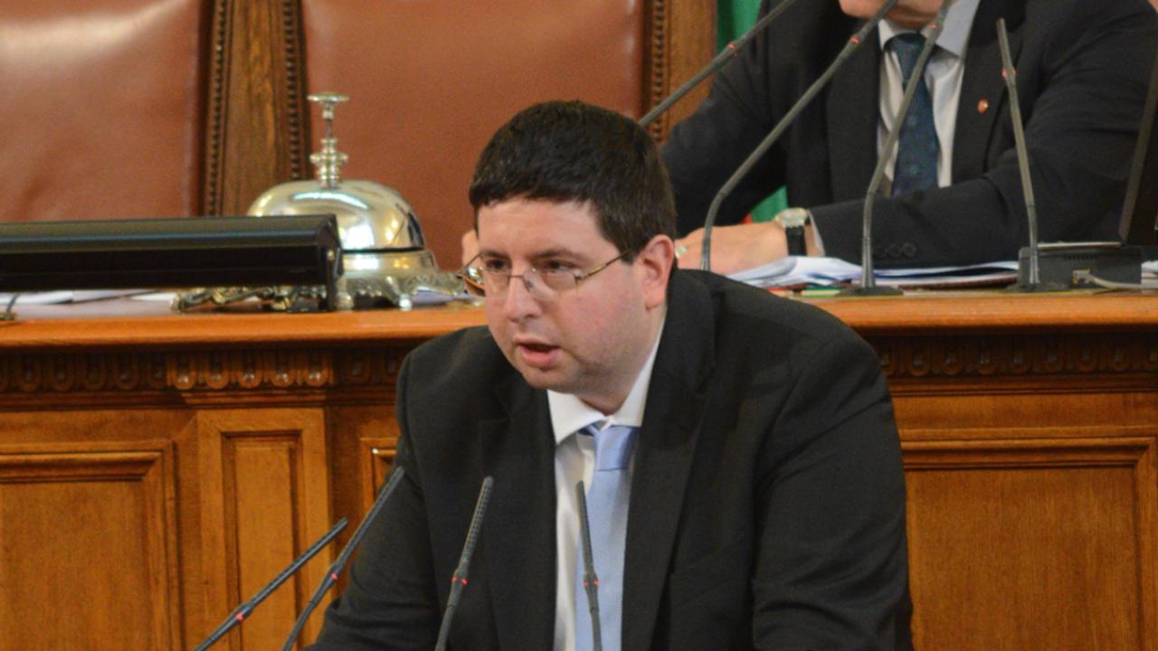 Петър Чобанов: Всяка сума, която не е гласувана от НС, а се разпределя с постановления на МС, е моделът на джипката