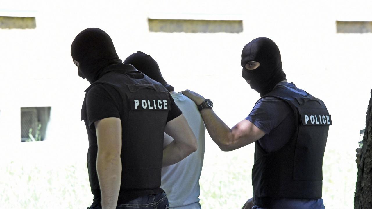 Във Варна задържаха българин, издирван във Франция за куп престъпления